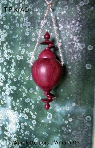 Amulette bois d'Amarante, tournage désaxé