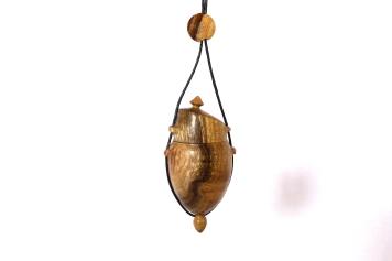 pendentif-amulette-bois-acacia-robinier-8